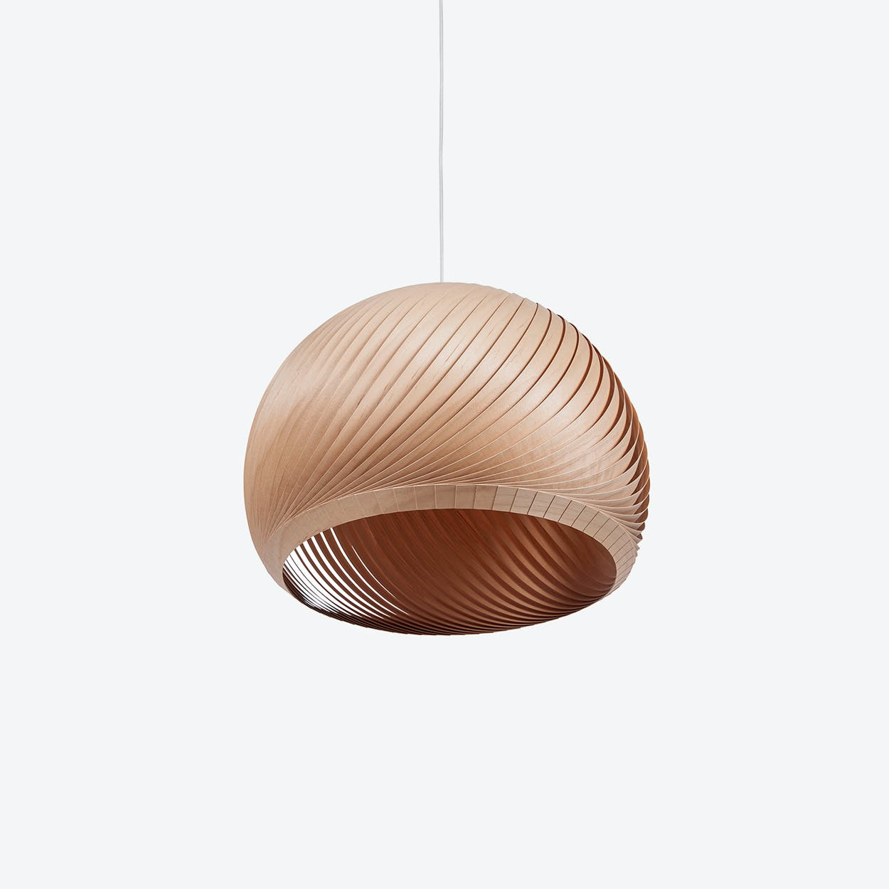 Wind Lampshade in Maple Veneer (White Cable)
