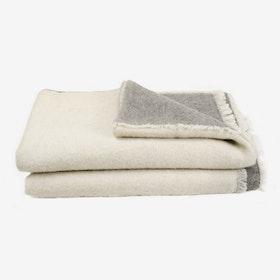 UPP&NED / Grey & White Blanket