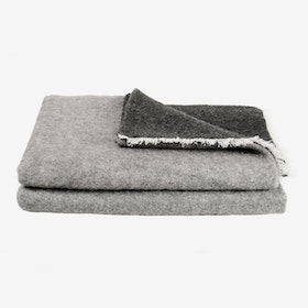 UPP&NED / Grey & Anthracite Blanket