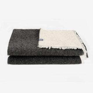 UPP&NED / Anthracite & White Blanket