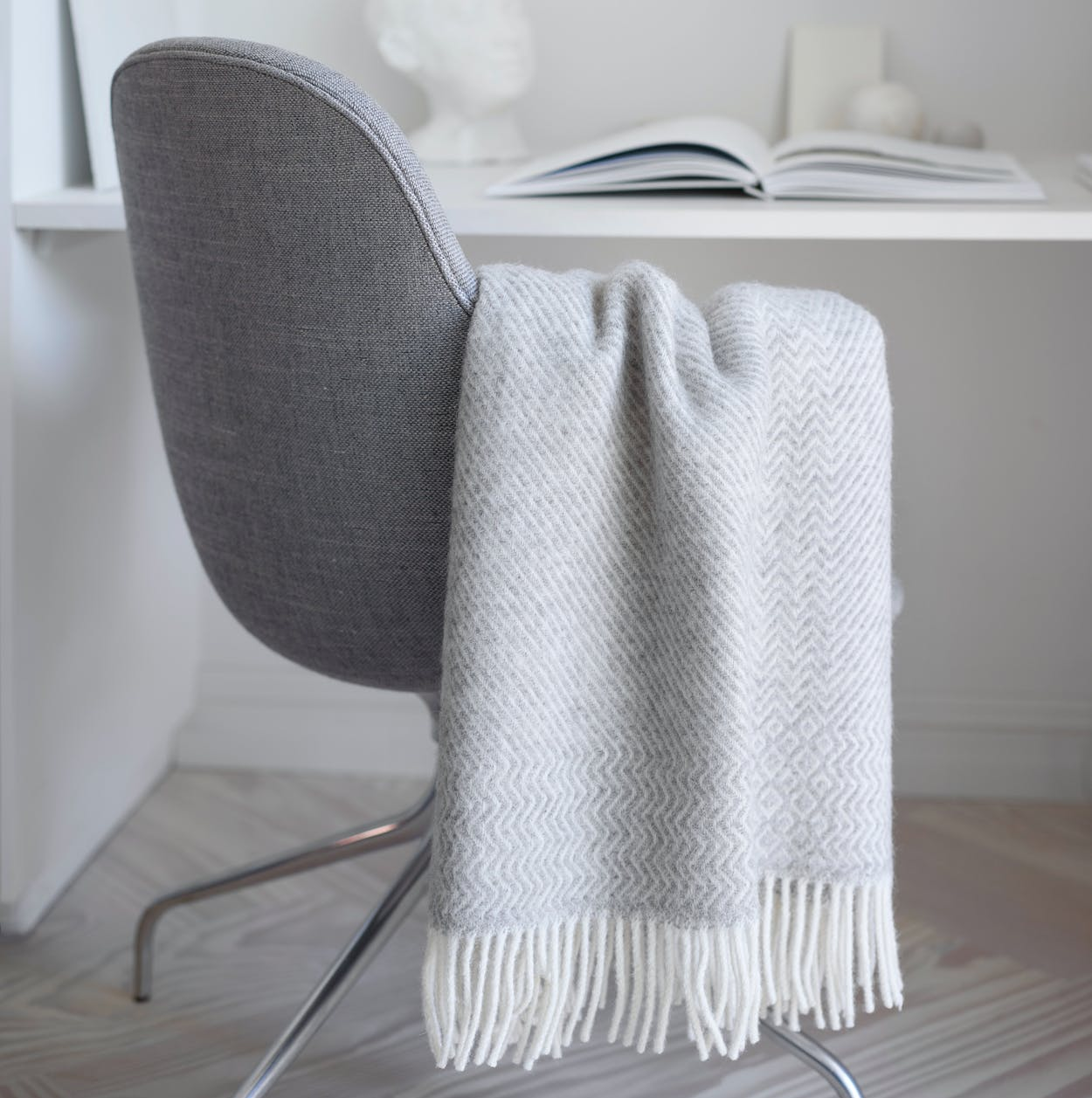 Kattefot Lambswool Throw in Light Grey