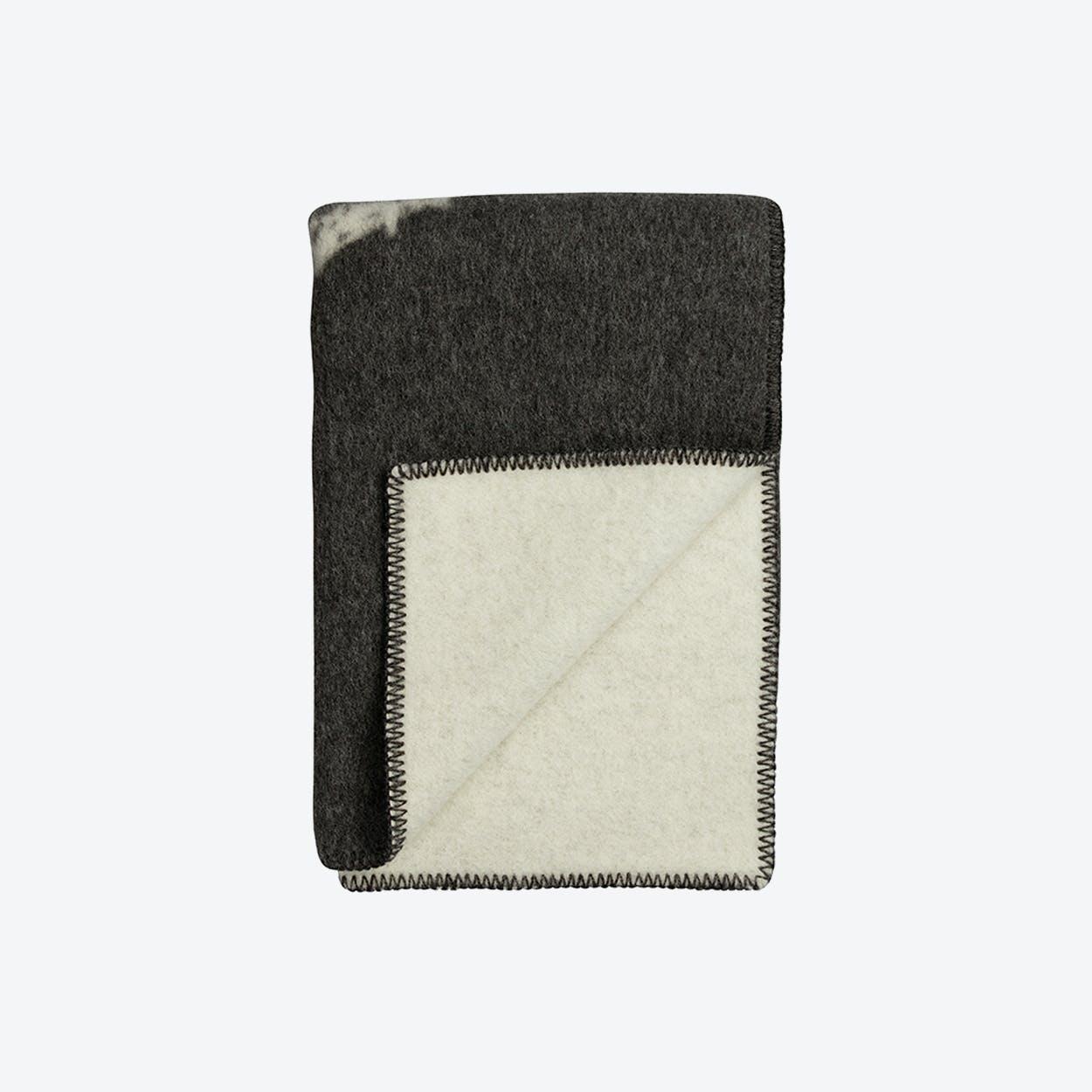 Melgaard Lambswool Throw in Grey/Natural