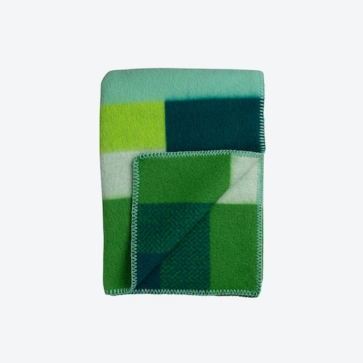 Mikkel Lambswool Throw in Green