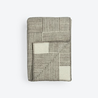 Naturpledd Veve Lambswool Throw in Natural/Grey