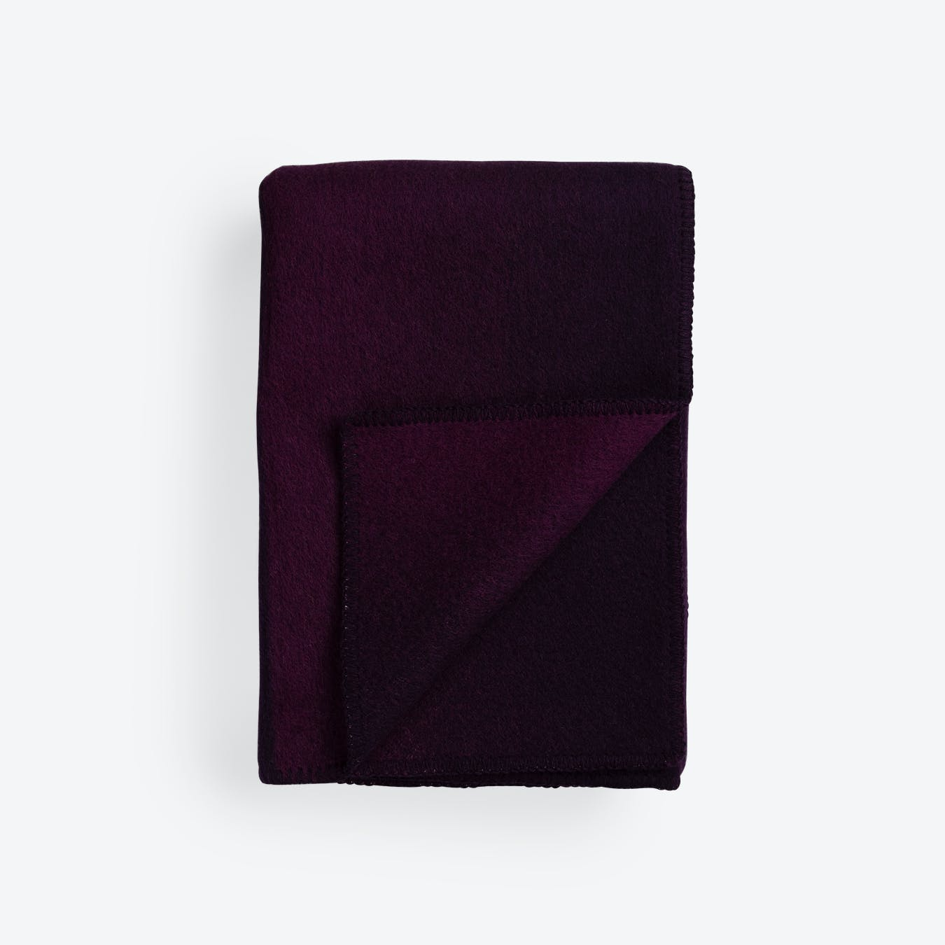 Berg Lambswool Throw in Violet