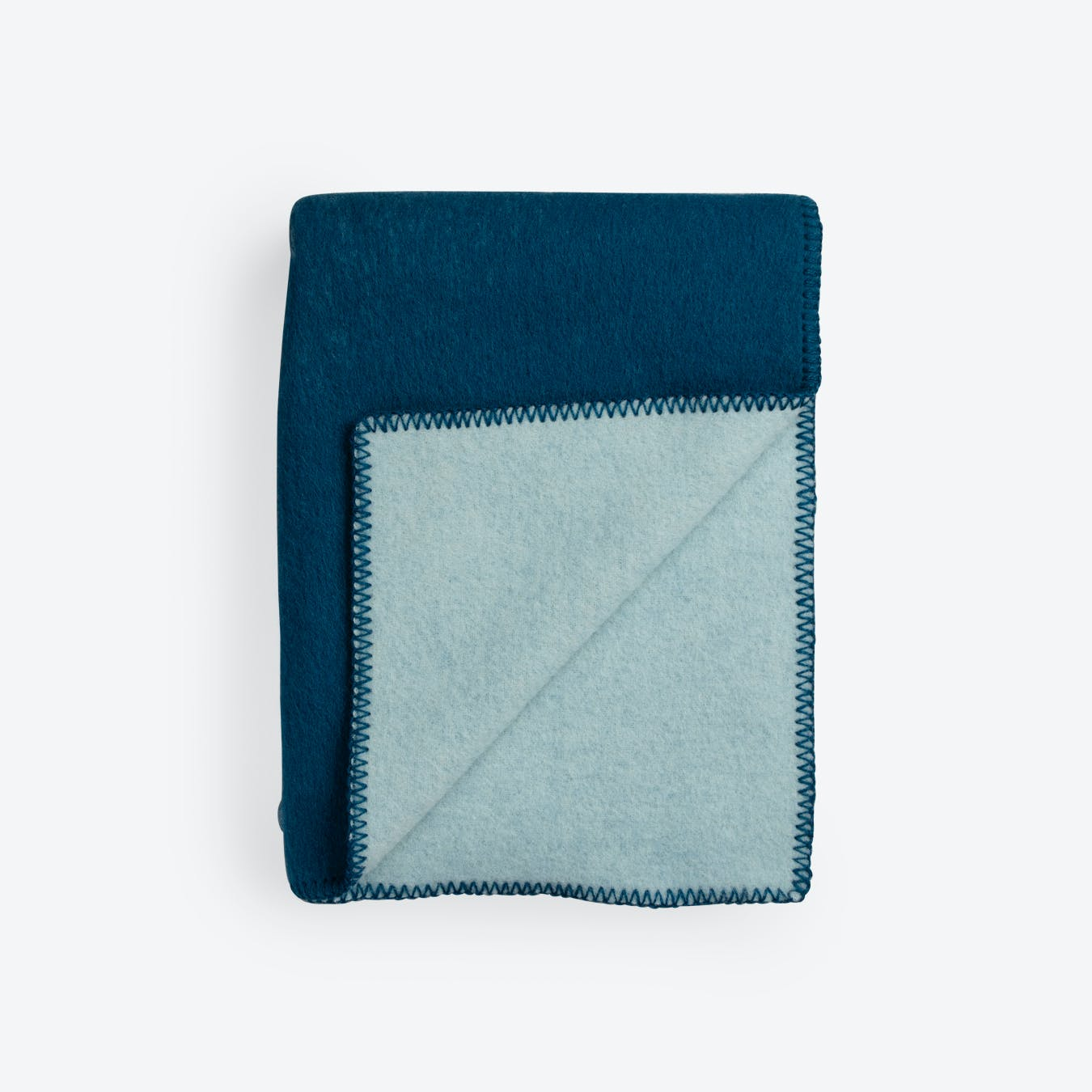 Colour Noise Lambswool Throw in Blue/Light Blue