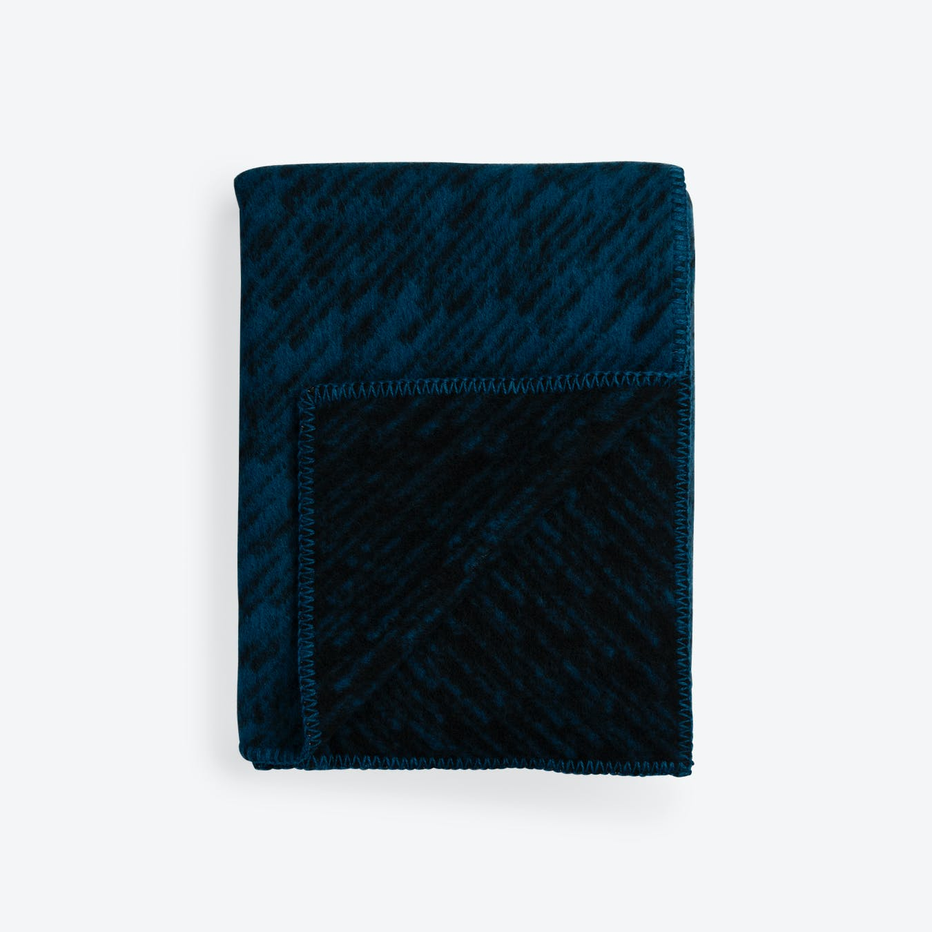 Giboulèe Lambswool Rug in Black/Blue