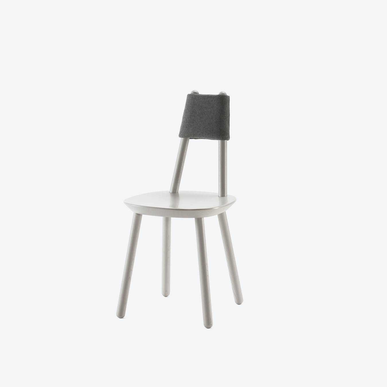 Naïve Chair in Grey