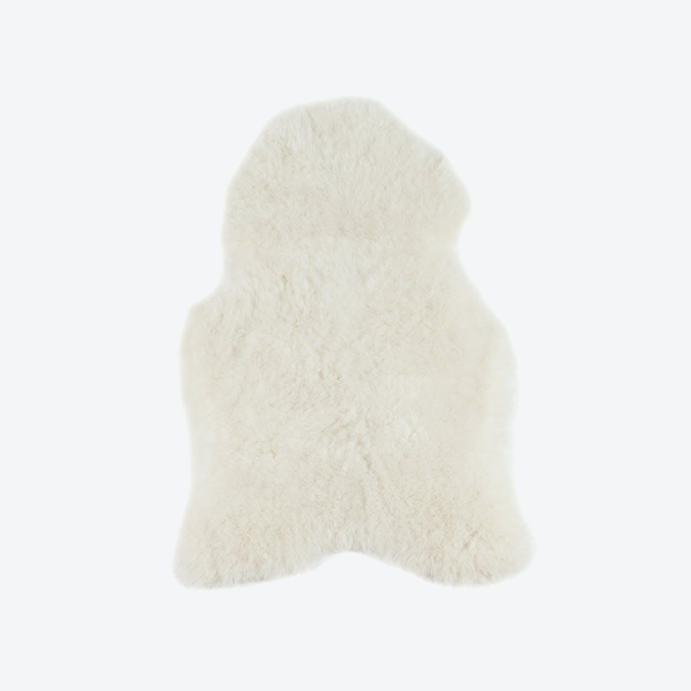 White Icelandic Short Sheepskin Rug