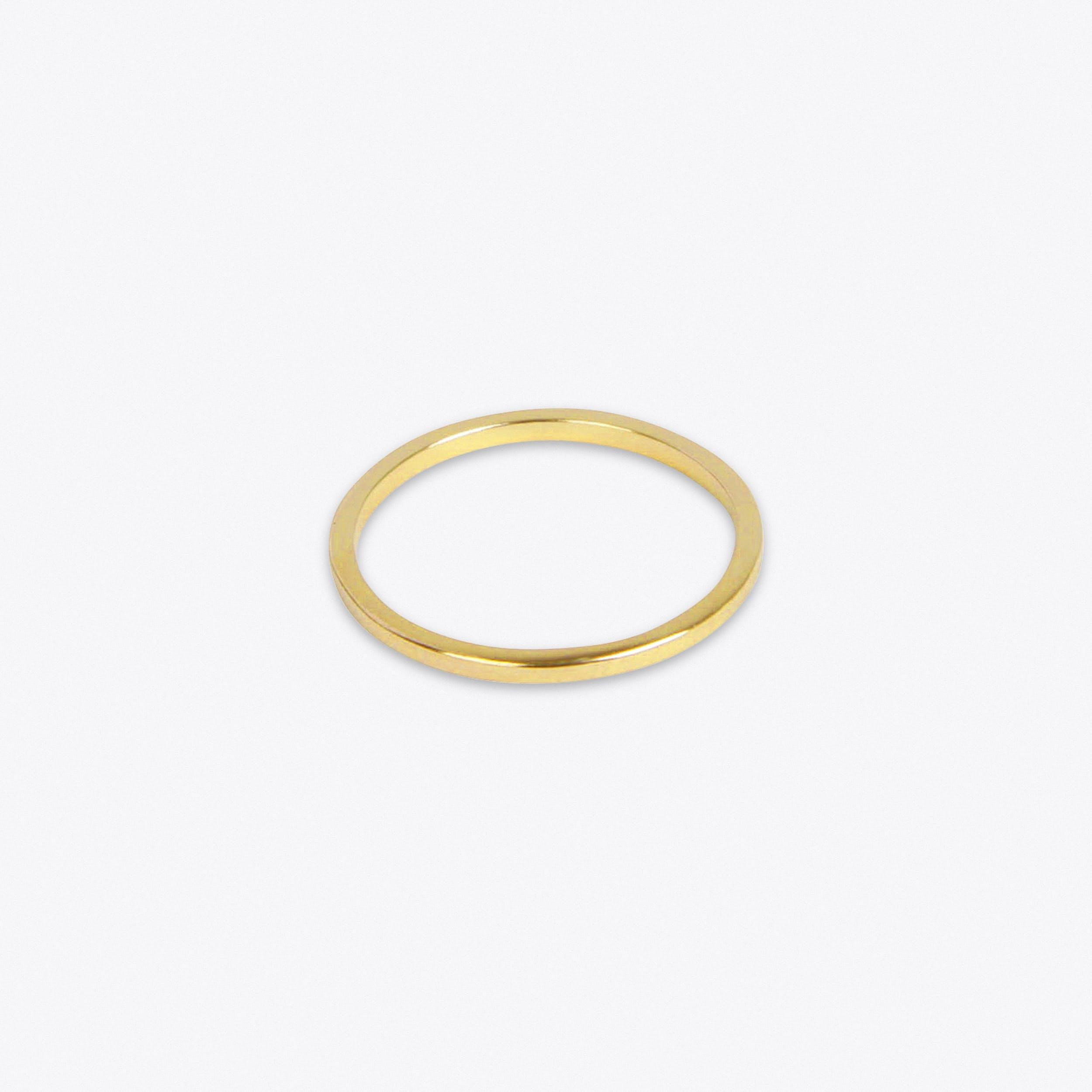 Lightweight Ring in Gold - Matthew Calvin