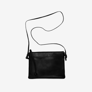 Pinscher Crossbody Bag in Black/Nappa - Le Chien