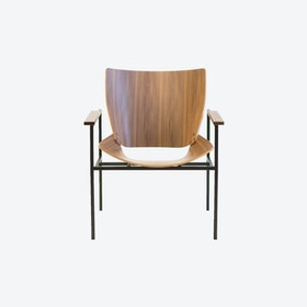 Shell Square Lounge with arms walnut