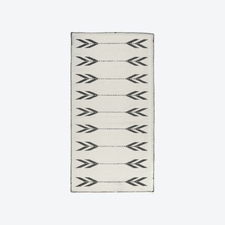 Apache Black and White Runner