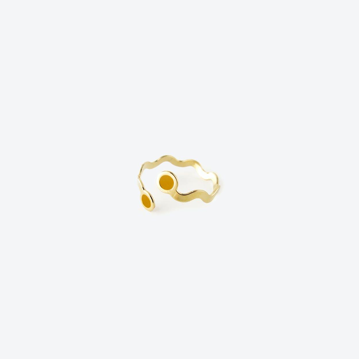 Wavy Gold Ring - Saffron