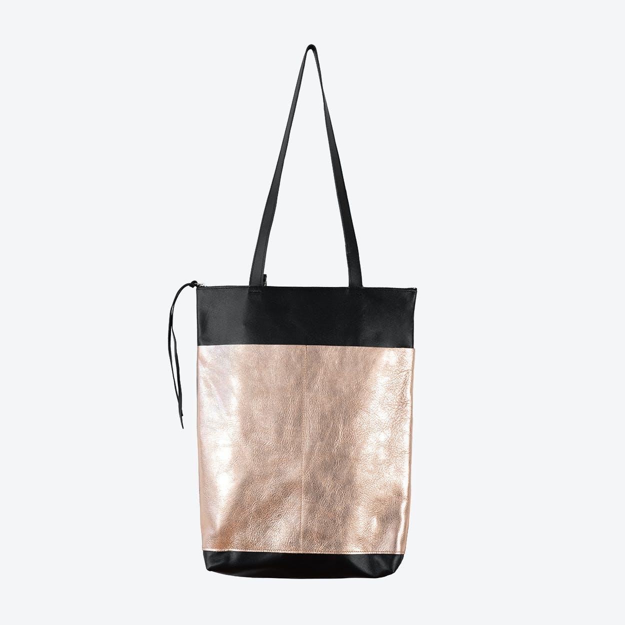 BJARNE Backpack in Black / Copper