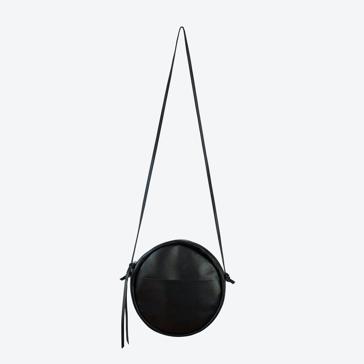 RUT Round Shoulder Bag in Black