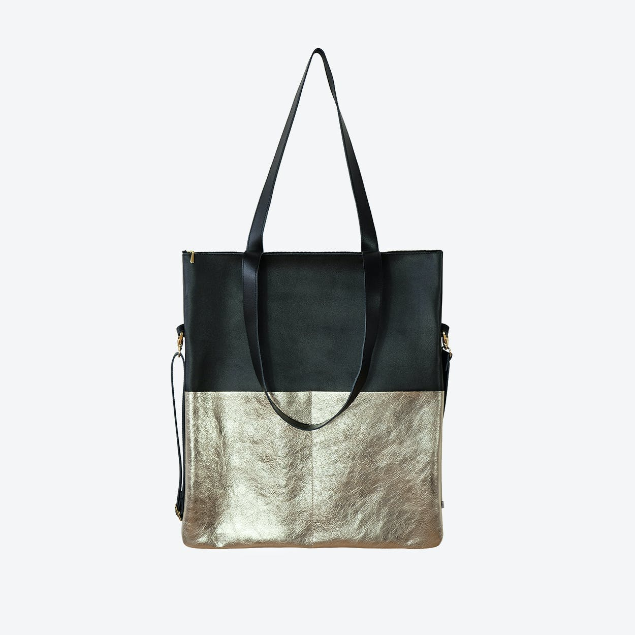 MARA Shoulder Bag in Black / Gold