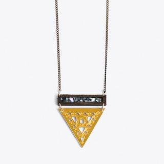 Small trikon Necklace gold