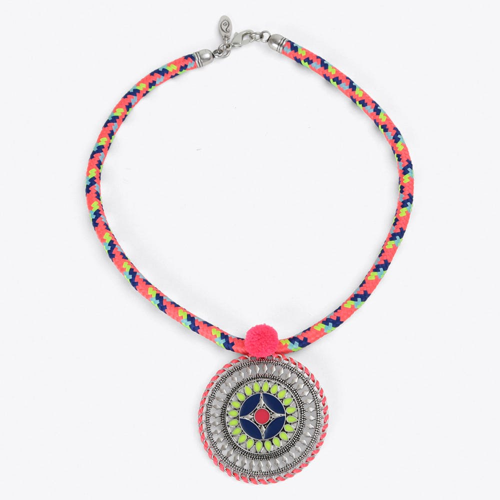 Tribal Pendant Collier in Pink