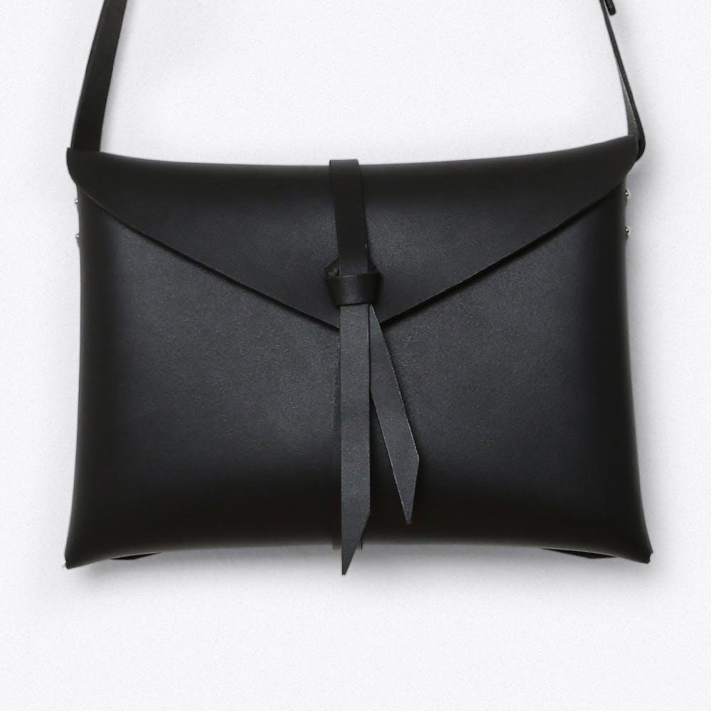 Ori Shoulder Bag in Black, Medium