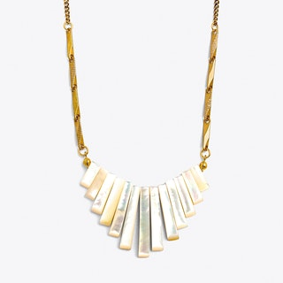 Fan Necklace in Pearl