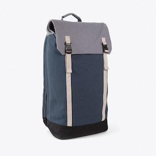 Slim Backpack in Canvas Black