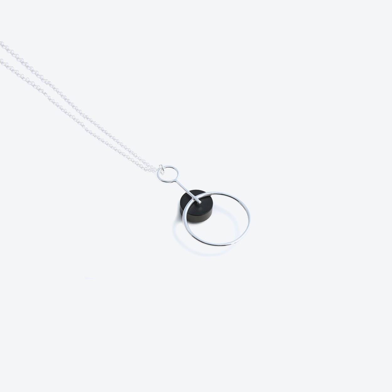 Alicia Pendant Necklace Silver & Black