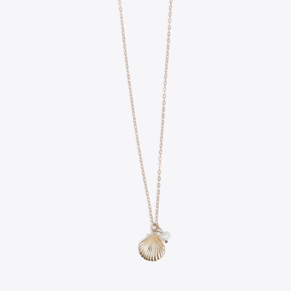Shell & Pearl Necklace in Gold
