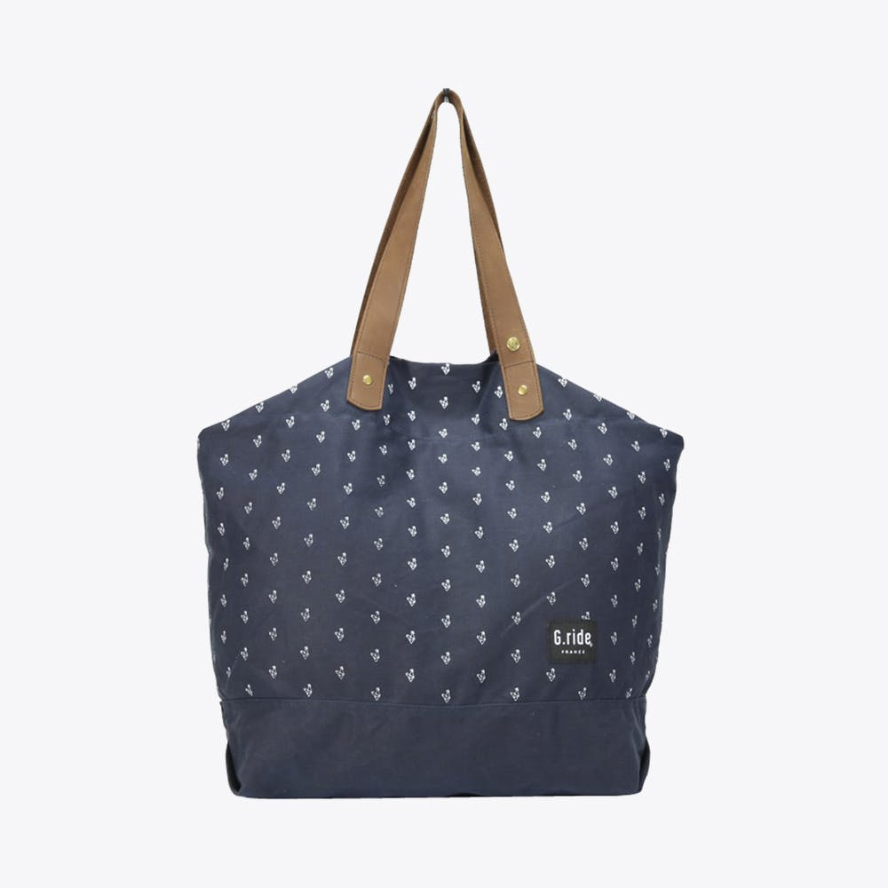 Carole Shoulder Bag in Navy