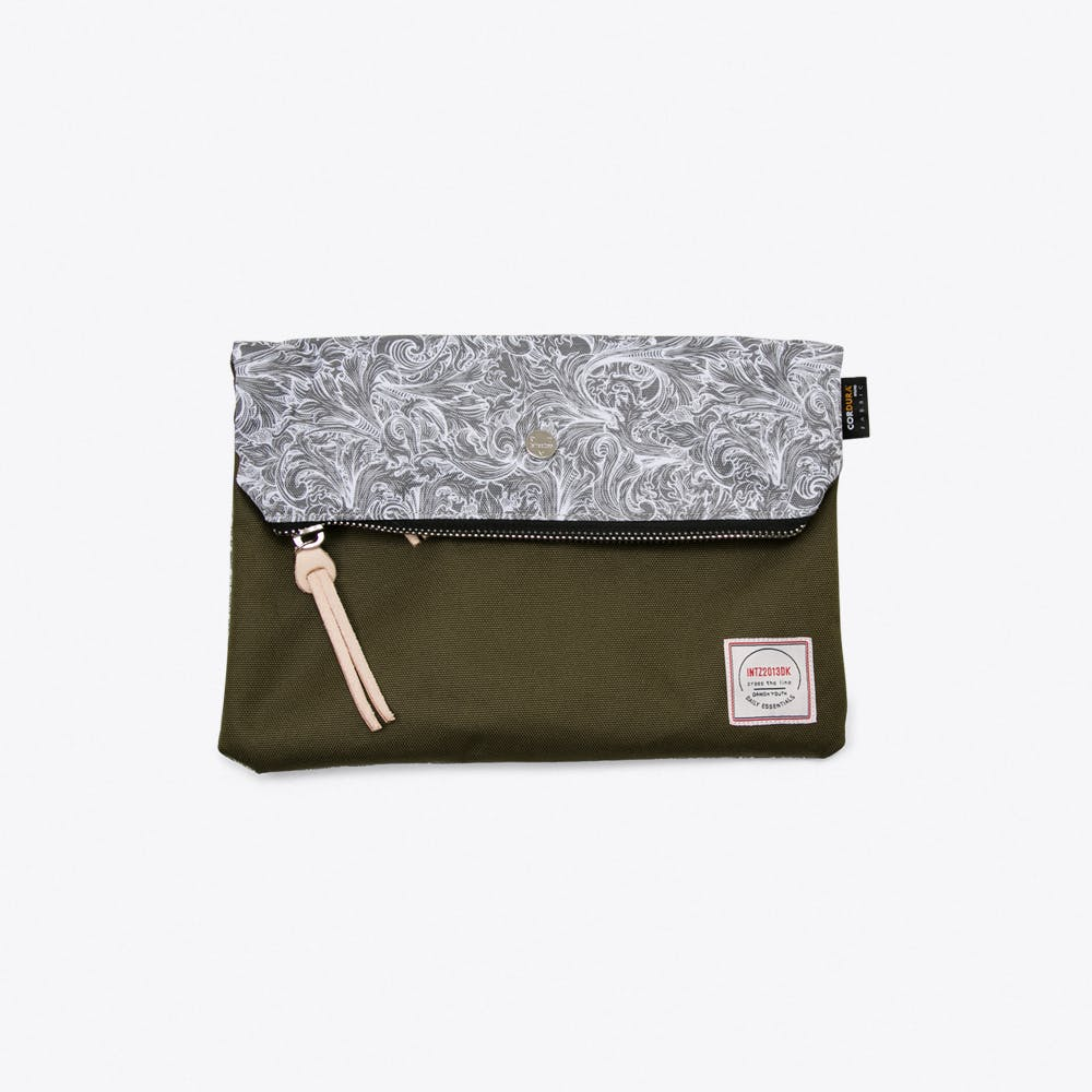 Krill Clutch in Grey Paisley