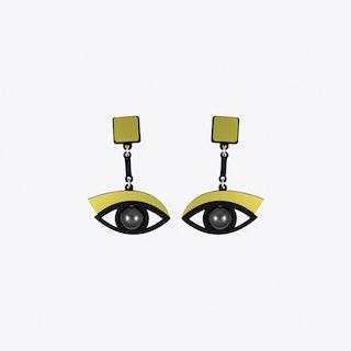 In the Blink of an Eye Earrings in Gold