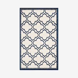 Amherst Accent Rug - Ivory / Navy - Moroccan Geometric