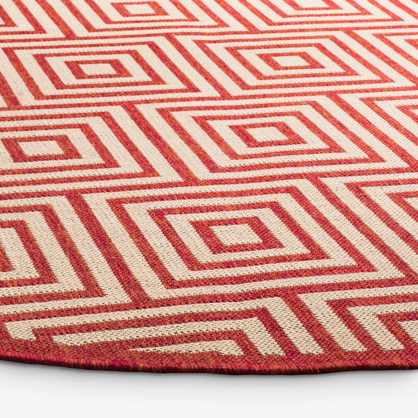 Beach House Round Area Rug Red