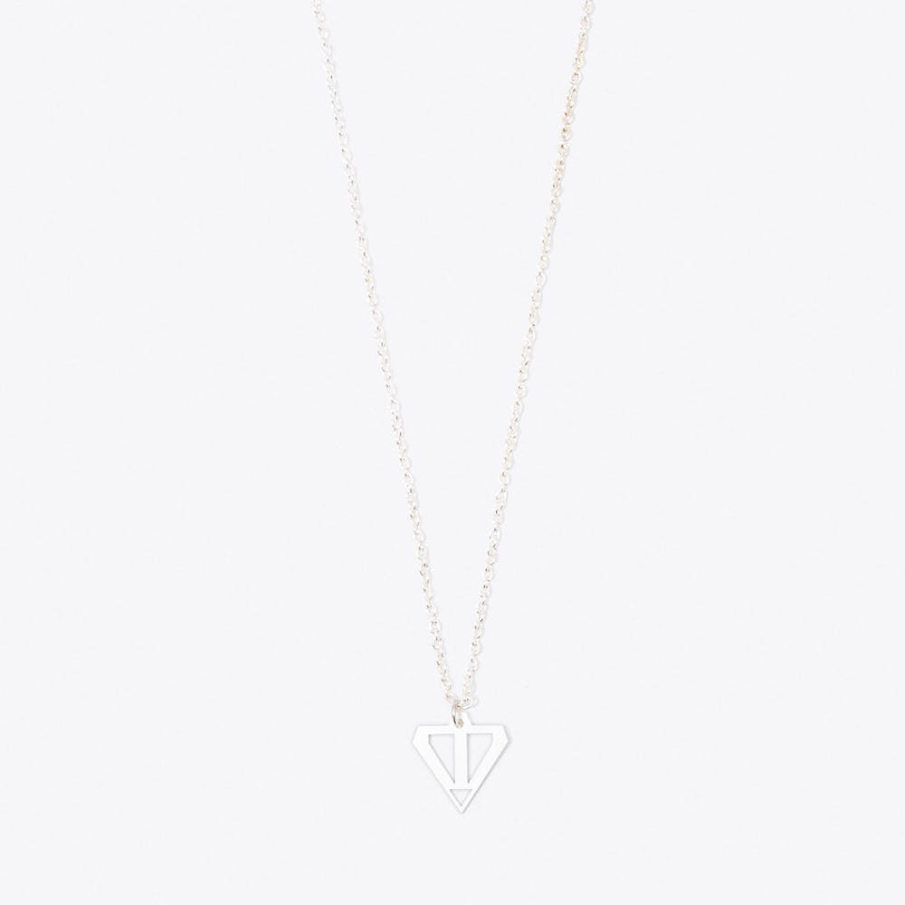 Arrow Pendant Necklace in Silver
