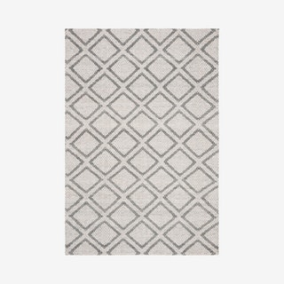 Micro-Loop Hand Tufted Area Rug - Silver / Dark Grey