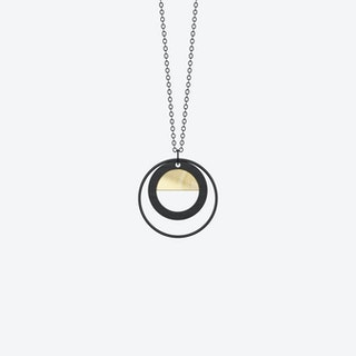 Neutrum Necklace in Gold