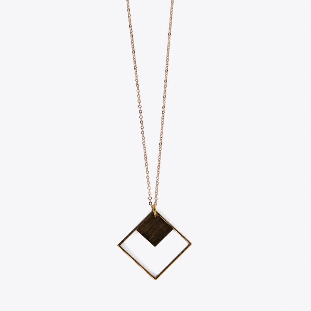 Indirekte Objekt Necklace in Dark Wood