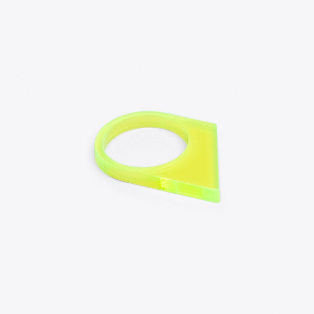 Acrylate Ring No.17 in Neon Yellow