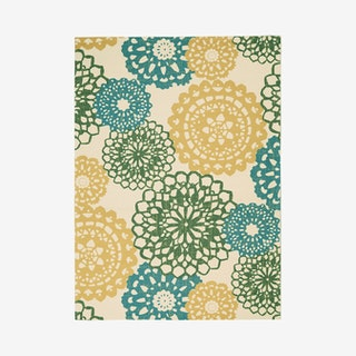 Waverly Sun N' Shade Area Rug - Ivory / Gold