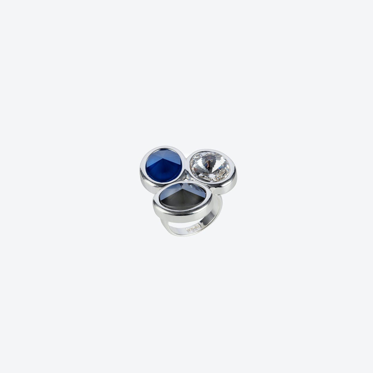 Triple Stone Oavl Ring in Silver/Blue Mix