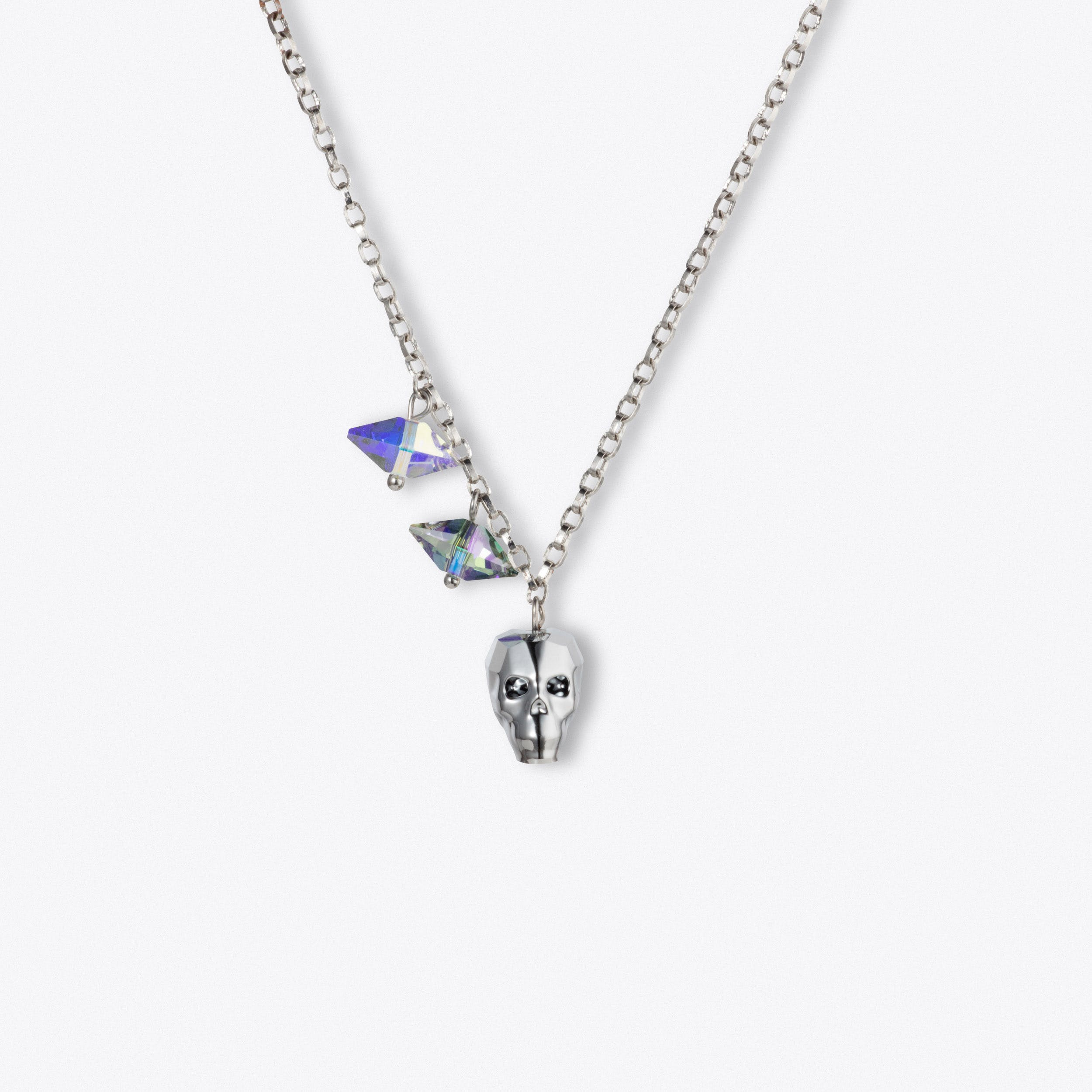 Skull And Shard Necklace In Silver