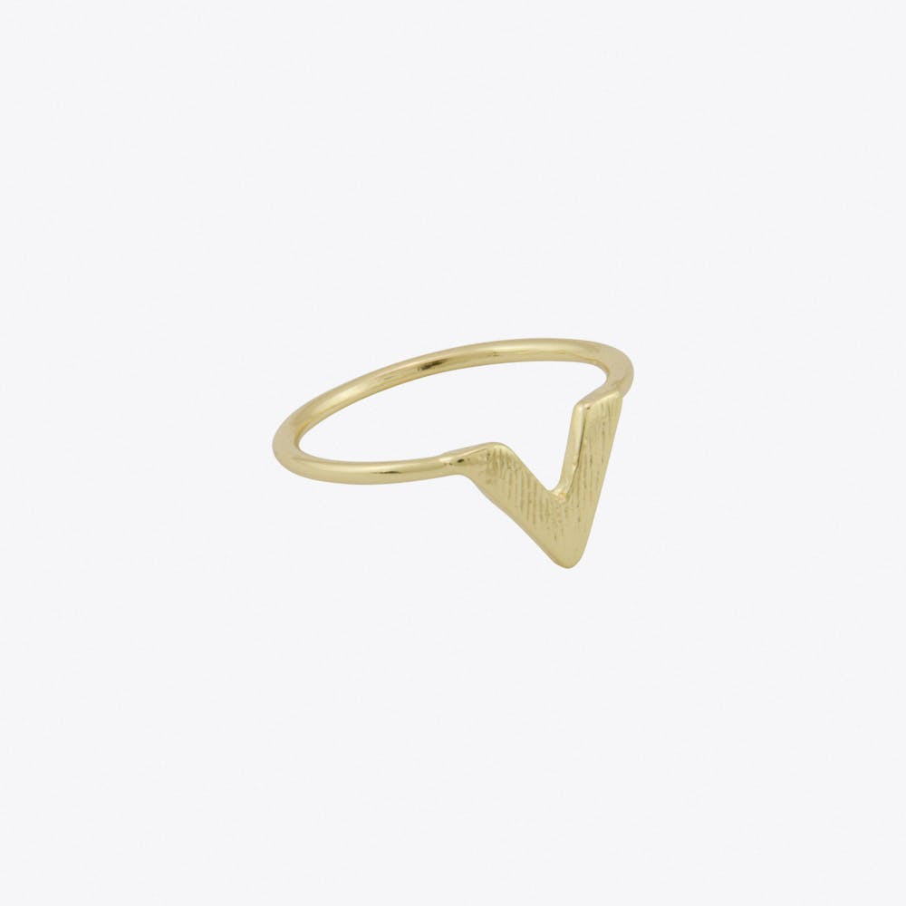 Thick Chevron Ring in Gold