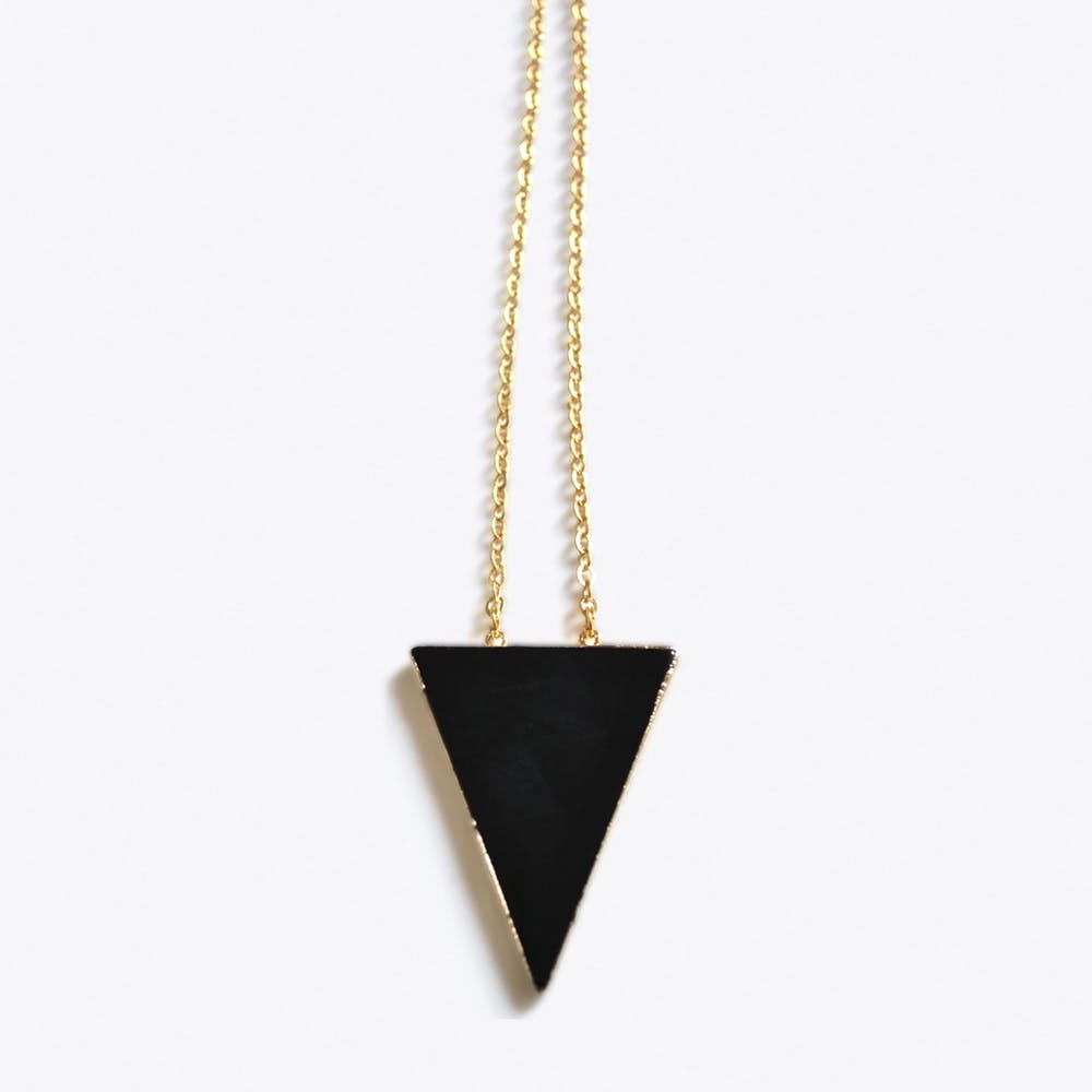 Onyx Triangle in Gold