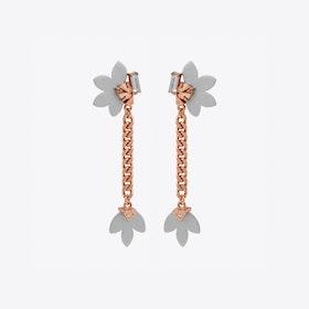 Aksama Short Chain Earrings in Silver