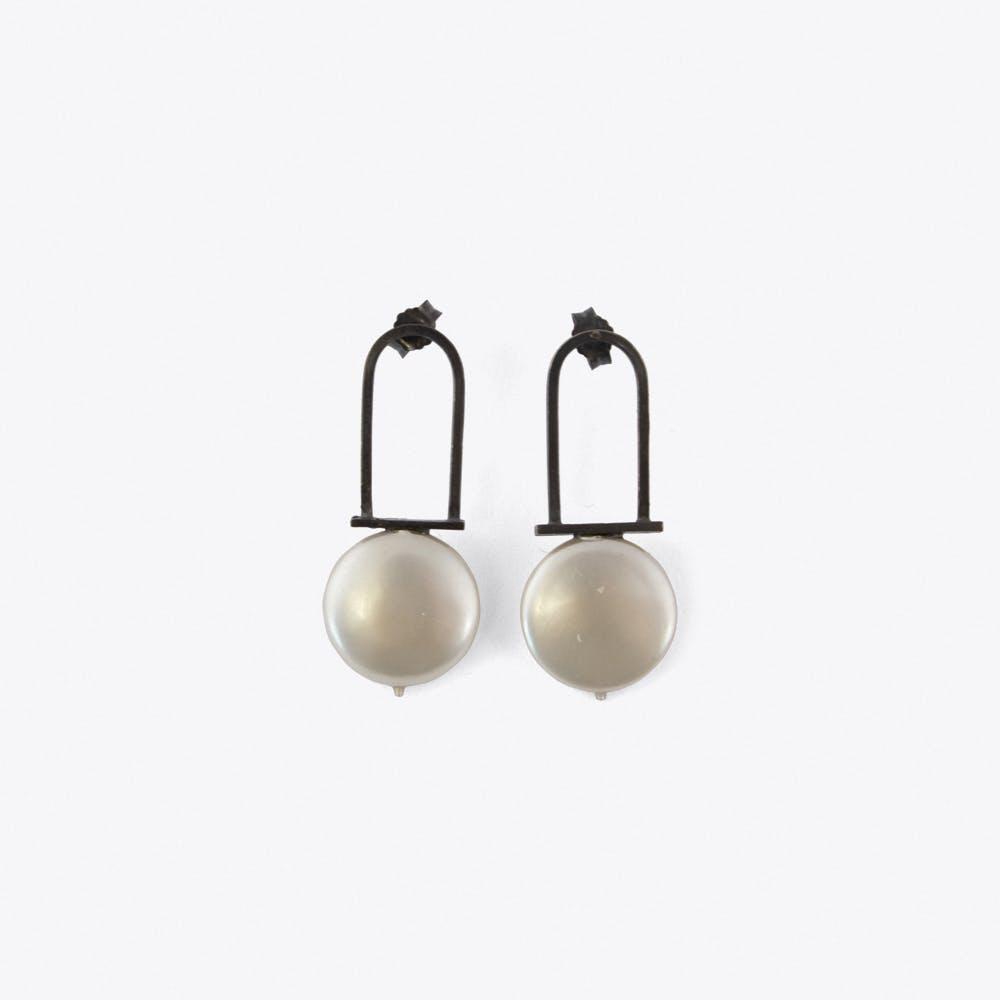 Minimal Pearl Earrings in Oxidised Silver