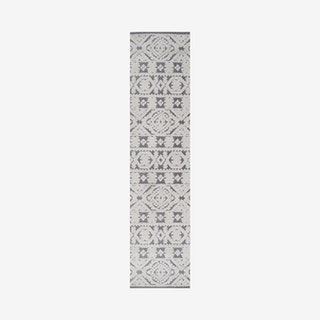 Citta Mediterranean Tile Indoor/Outdoor Runner Rug - White / Black