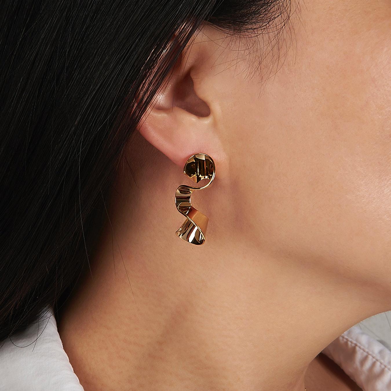 99fad5972 Sleek Gold Wave Stud Earrings by DOSE of ROSE - Fy