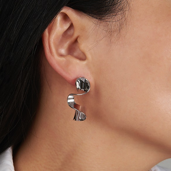 01ccd8659 Sleek White Gold Wave Stud Earrings by DOSE of ROSE - Fy
