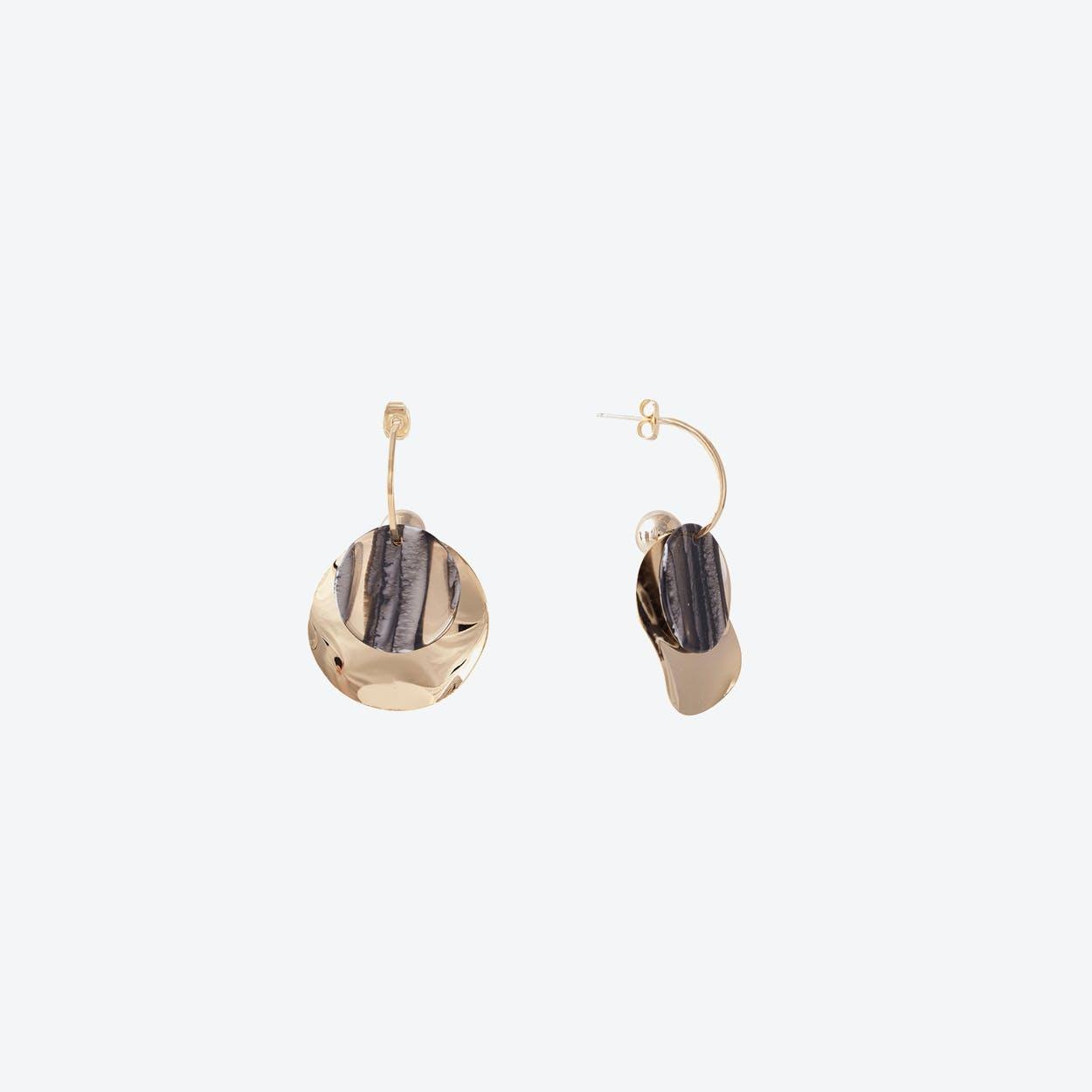 Gold Wave Disc Earrings - Grey