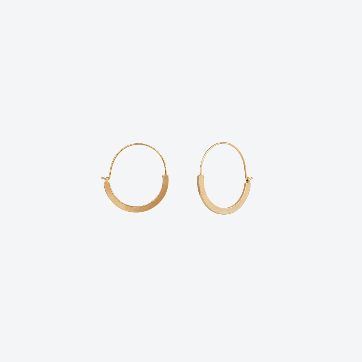 Sleek Gold Hoop Earrings